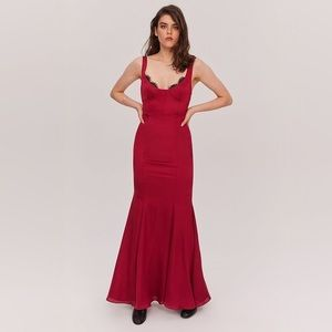 NEW Fame & Partners Ara Red Satin Lace Trim Gown